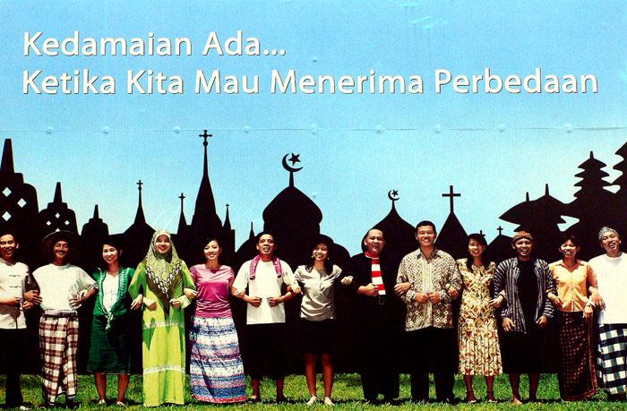 Aku cinta Indonesia ku yang damai…….